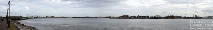 The Mississippi riverfront. Click twice for the largest view.
